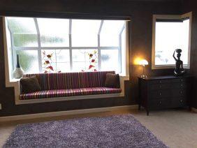 Penthouse-window-seat